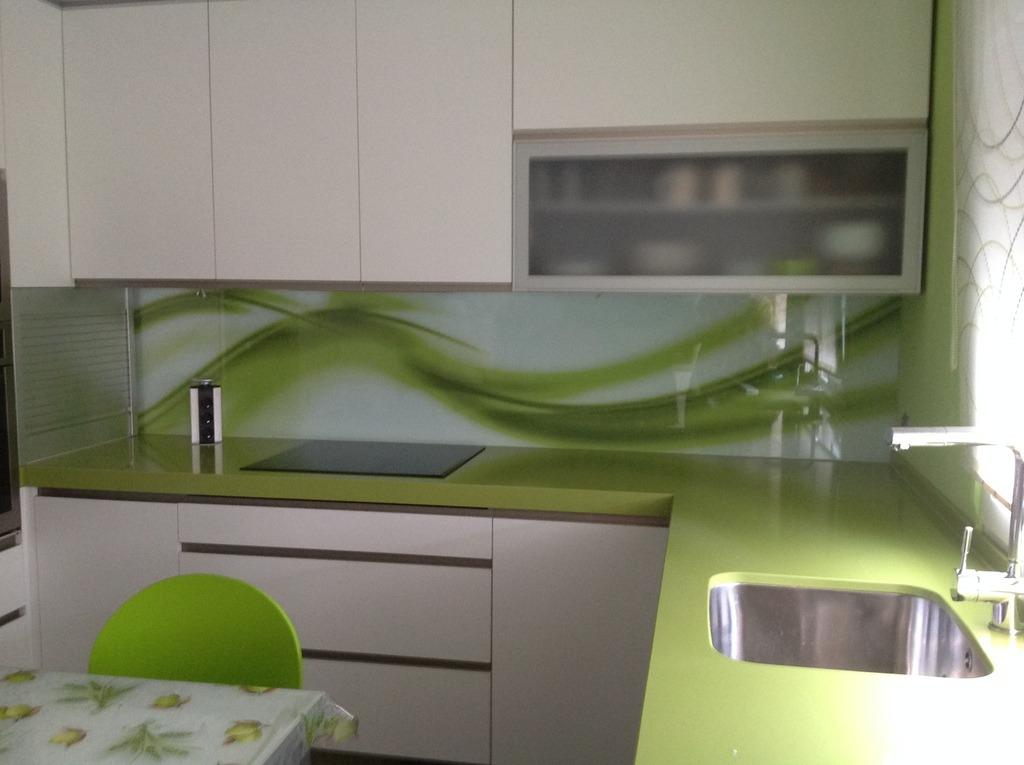 Nuevo look para tu cocina sin obras - Paneles para cocina ...