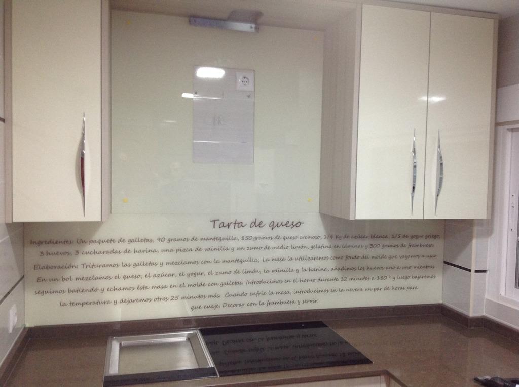 Reformas sin obras con cristal - Revestimiento paredes cocina sin obra ...